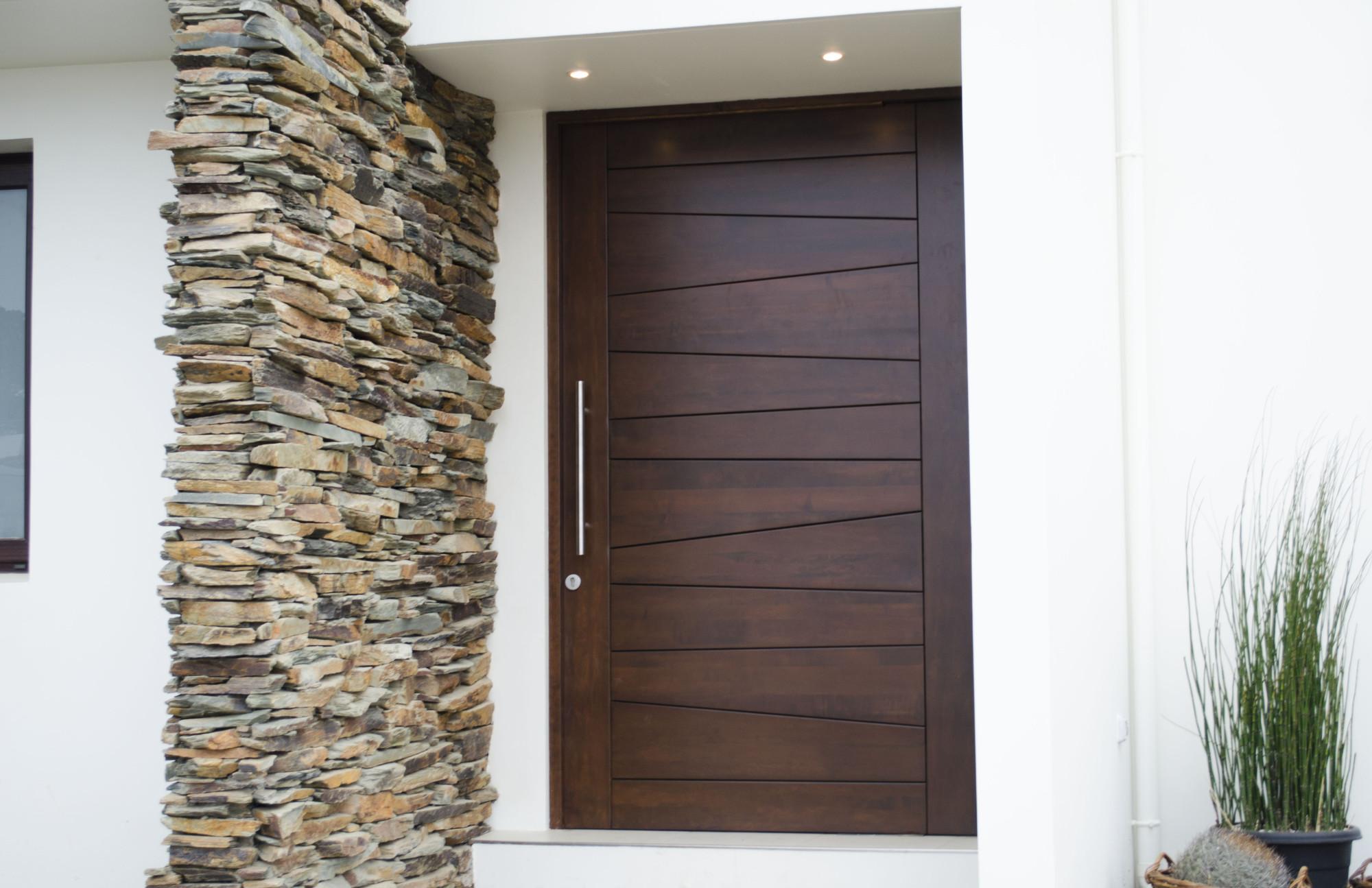 Puertas de ingreso principal macizas
