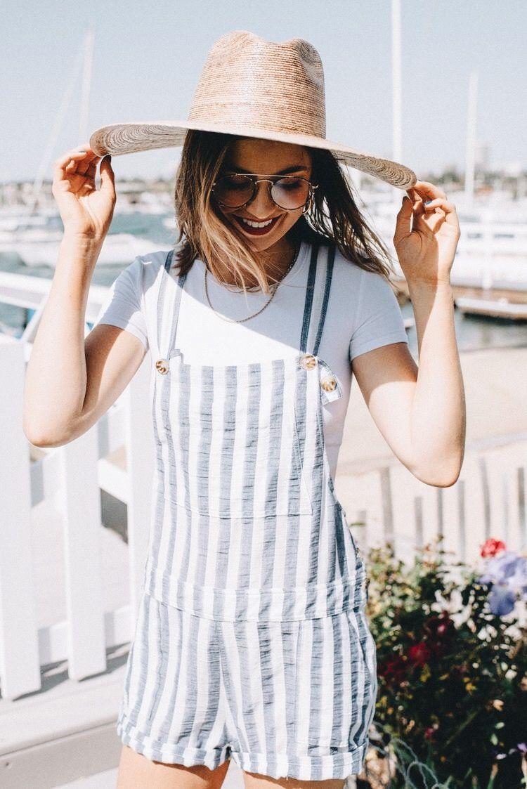 Outfits para la playa con overol