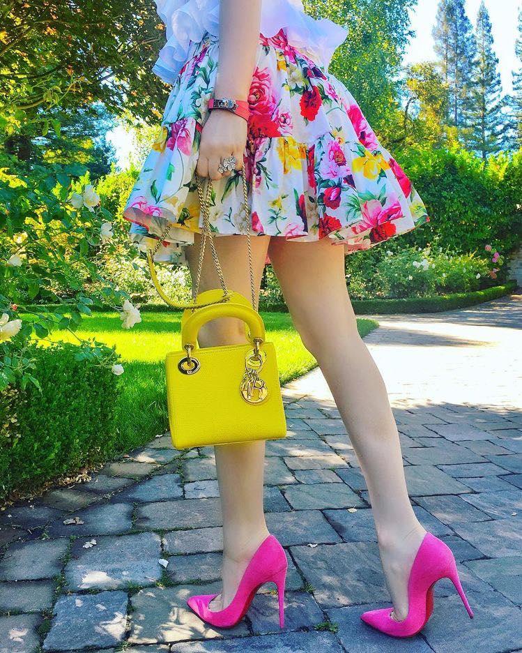 Looks con faldas cortas coloridas