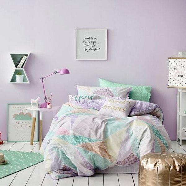 Color lila para psicología del color en dormitorio