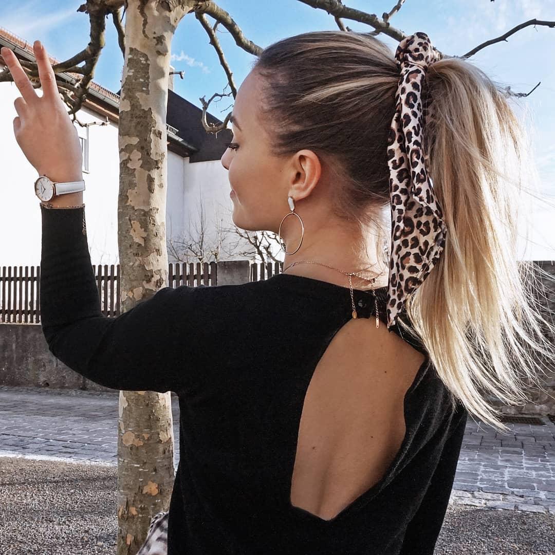 10 Peinados diarios con cola y mascada