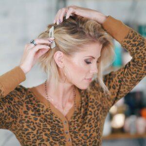 10 Peinados diarios con pelo suelto y broches