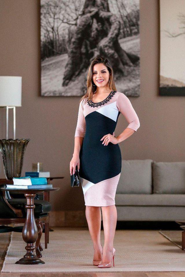Cómo lucir un vestido tricolor para mujeres