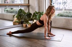 El ejercicio que Harvard declara como el único para lograr el abdomen perfecto con plancha sencilla
