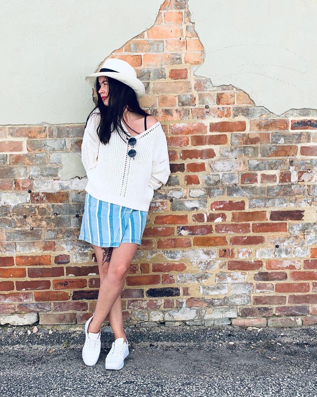 Falda de mezclilla bicolor para la temporada