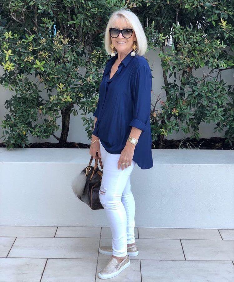 Maxi blusa con skinny jeans para mujeres maduras