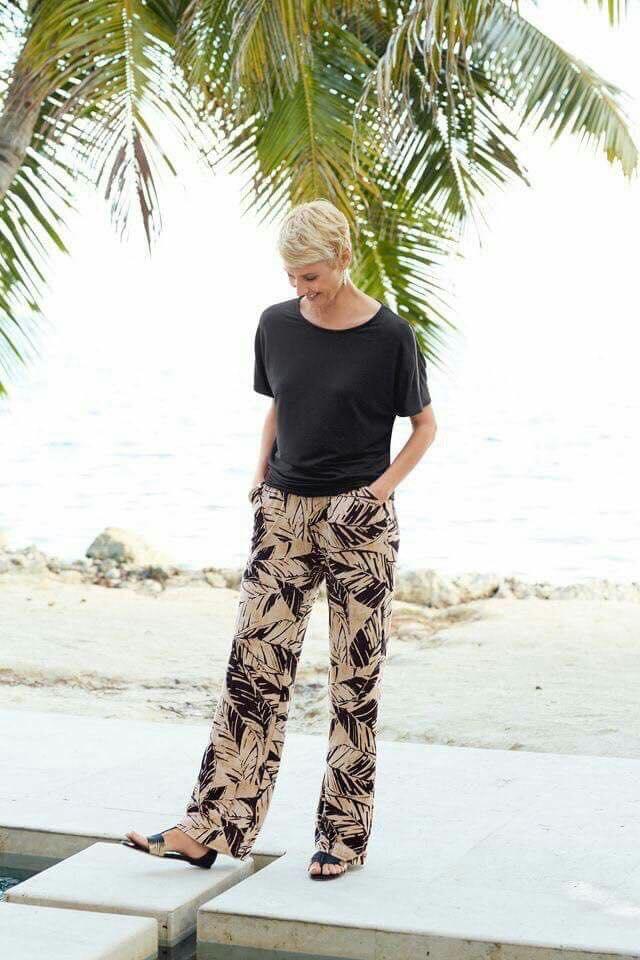 Pantalones con diseño para señoras de 50 años o más