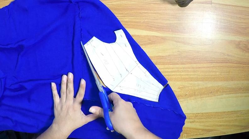Patrón de blusa con drapeado usar patrón en tela