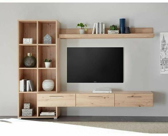 Área de televisión con decoración minimalista