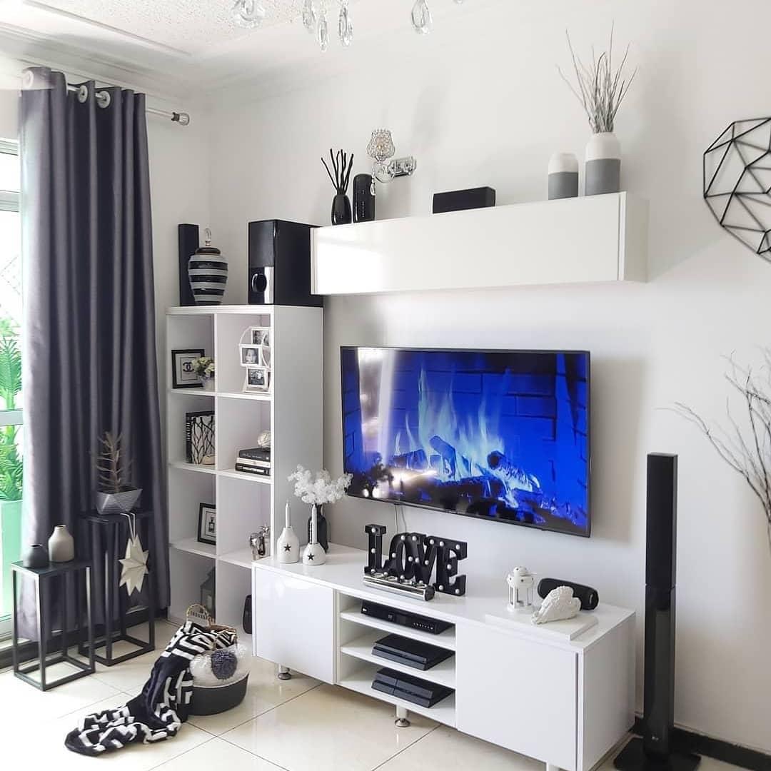 Decora todo blanco para el mueble de la televisión