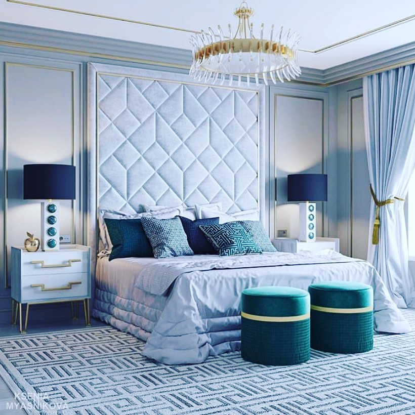 Habitación con elementos decorativos en verde esmeralda negro y blanco