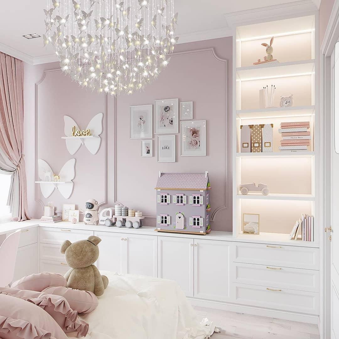 Habitación con tono morado, blanco y rosa para ideas de decoración