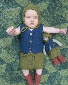 Hermoso conjunto tejido para bebé