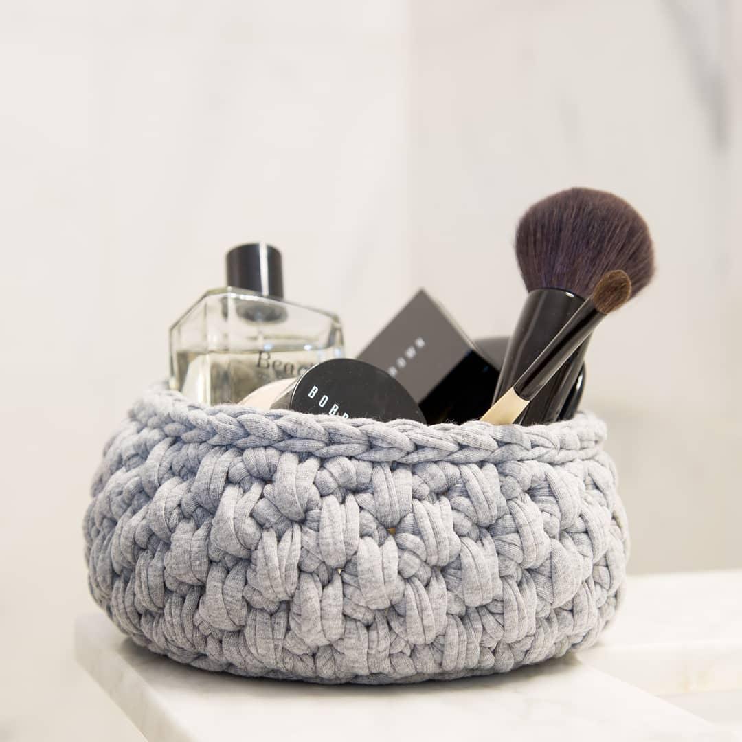 Organizador de cosméticos de crochet