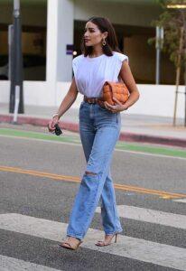 Looks con jeans rectos