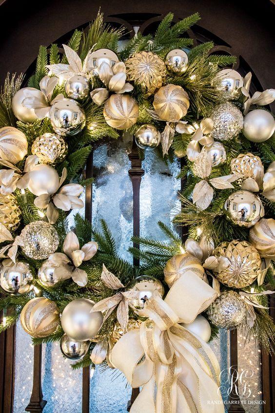 Entradas de casas navideñas dorado y plateado
