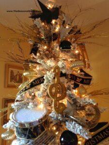 Árboles de navidad dorado con plateado