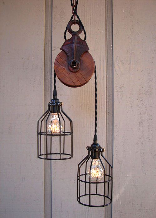 Pasillos iluminados con lamparas industriales